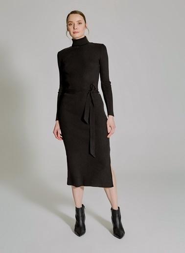 People By Fabrika Yırtmaç ve Bağlama Detaylı Triko Elbise Siyah